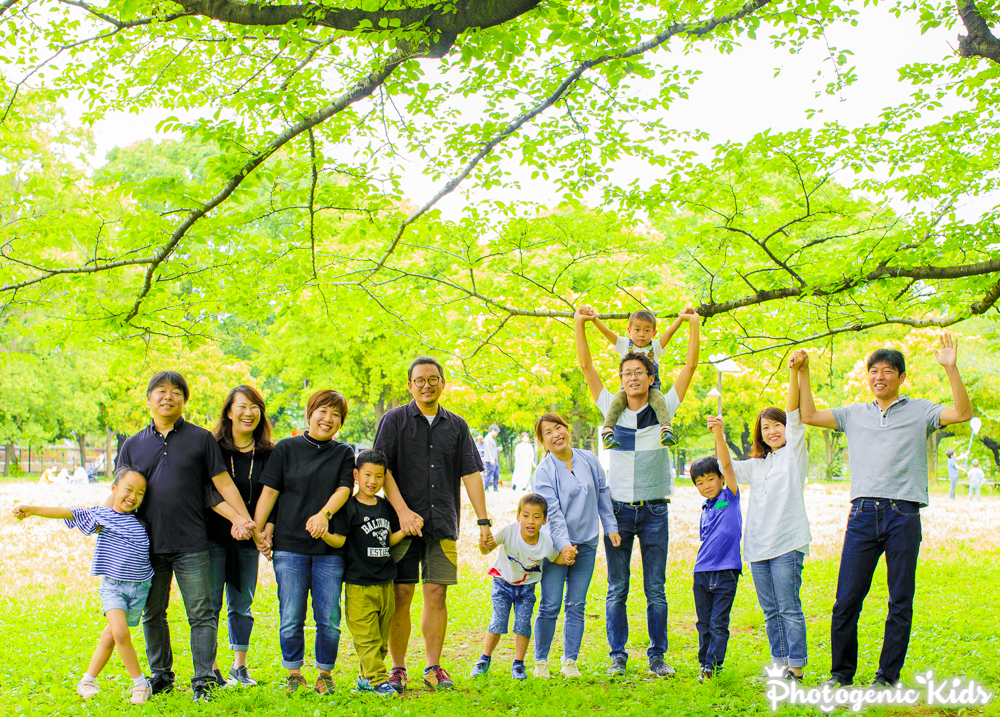 東京都杉並区 善福寺川緑地公園 お友達とのご集合写真 素晴らしいご家族同士の絆
