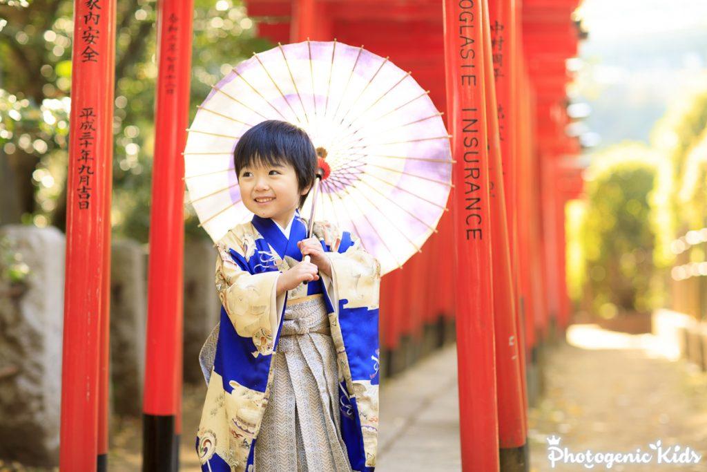 根津神社でアンティーク着物七五三出張撮影